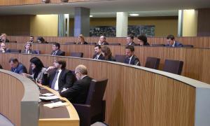 Els consellers de l'oposició en la sessió del Consell General d'ahir.