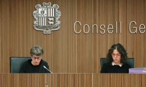 Les parlamentàries Susanna Vela i Judith Salazar van presentar les esmenes del PS al text de transparència i accés a la informació.