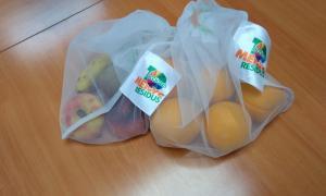 Les bosses tèxtils reutilitzables amb les que es preten reduir l'ús de les bosses de plàstic als centres comercials.