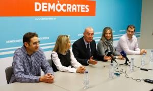 Els membres de la candidatura de Demòcrates, ahir.