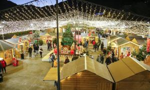 La tercera edició del Poblet de Nadal es va inaugurar l'1 de desembre passat a la plaça del Poble.