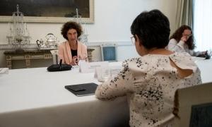 Un moment de la trobada de Maria Ubach amb la seva homòloga espanyola, Arancha González Laya, ahir a Madrid.