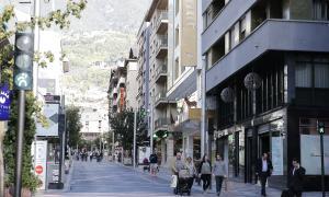 La zona de Vivand agrupa uns 200 comerços, restaurants i hotels.