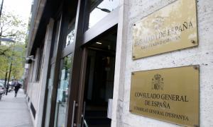 Cues al consolat d'Espanya per consultar el cens electoral