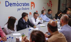 Un moment de la reunió de l'executiva de Demòcrates per Andorra d'ahir al vespre.