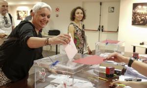 Gairebé 2.000 residents ja han exercit el seu dret a vot