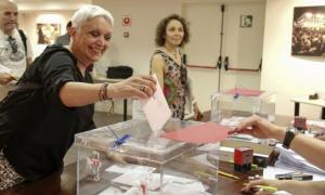 Fins a 2.467 residents exerceixen el seu dret a vot en els comicis