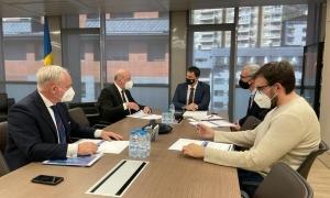 La trobada de Gallardo i Bartolomé amb els representants d'Air Nostrum LAM.