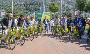 El projecte de la bicicleta elèctrica compartida va donar ahir el tret de sortida.