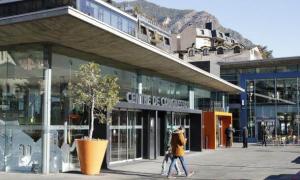 Els nou concursants presenten 13 projectes per al casino