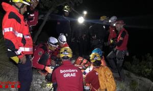 Moment del rescat de l'escaladora andorrana que va caure d'una alçada de 20 metres.