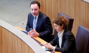 El titular d'Afers Socials, Justícia i Interior, Xavier Espot, en una de les seves intervencions ahir en una sessió de control.