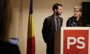 Gerard Alís i Susanna Vela durant la compareixença d'ahir.