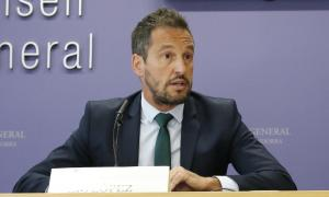 El parlamentari del PS Pere López va defensar la importància de la nova llei de l'esport.