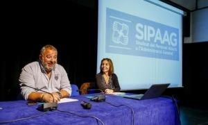 Lluís Anguita i Marta Pujol en una assemblea del Sipaag.