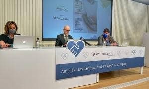 Un moment de la presentació de la campanya, ahir a la seu de Vall Banc.