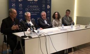 Els expresidents de la CCIS, Francesc Pallàs, Jordi Marquet i Marc Pantebre; el president, Miquel Armengol, i la directora, Pilar Escaler, ahir a la trobada amb la premsa.