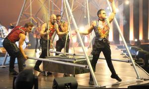 Un moment de l'espectacle del Cirque du Soleil Rebel.