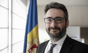El ministre de Finances, Eric Jover, al seu despatx.