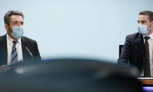 El ministre de Finances, Eric Jover, i el secretari d'Estat d'Afers Financers Internacionals, Marc Ballestà, en la compareixença d'ahir.