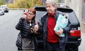El periodista finlandès passa a arrest domiciliari fins que dictin sentència