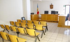 Una sala de judicis de la seu de la justícia.