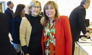 Conxita Marsol amb l'alcaldesa de Madris, Manuela de Madre.