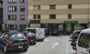 L'aparcament de la plaça Creu Blanca.