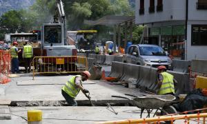 Obres de construcció de la xarxa separativa d'aigües pluvials i residuals a la zona de Santa Coloma.