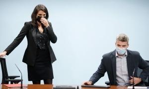 Teresa Milà i Jordi Olivé, moments abans de començar la roda de premsa de presentació, aquesta tarda.