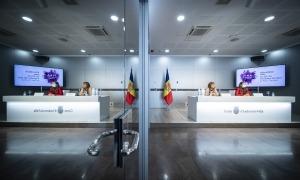 Conxita Marsol i Meritxell López presenten la 42a Fira d'Andorra la Vella.