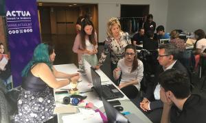 Alumnes, educadors i empresaris treballen els projectes de Tàndem