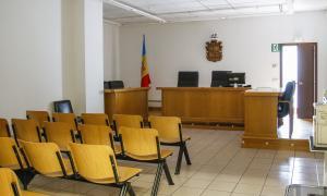 Els dos acusats de l'estafa són de nacionalitat romanesa i no van comparèixer ahir.