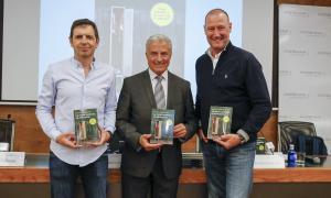 Francisco Castaño, Josep M. Cabanes i Pedro García Aguado en la presentació, ahir.