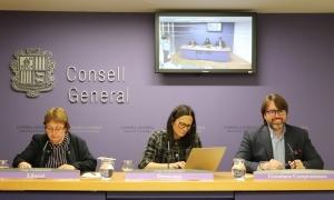 Sílvia Ferrer, Ester Molné i Carles Naudi van presentar el text el març passat.