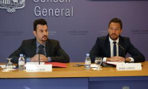 Els consellers generals del PS Gerard Alís i Pere López en la compareixença d'ahir al Consell General.