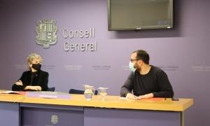 Susanna Vela i Carles Sánchez van presentar la proposició de llei de recerca i innovació.