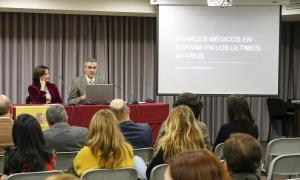Un moment de la xerrada que ha ofert el doctor Jesús Alberto Pacheco.