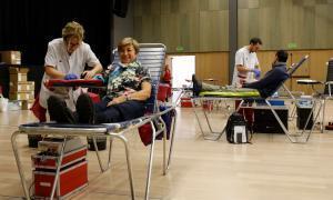La Creu Roja vol arribar a les 200 donacions de sang aquesta nit
