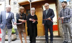 Un moment de la inauguració del local dels comerciants del centre històric.