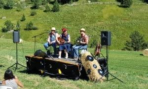 Actuació en una edició anterior de l'Esquella Walking Music Festival.