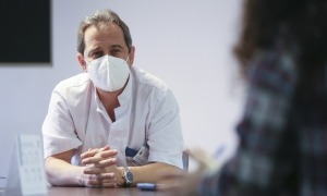 El cap del servei de traumatologia i cirurgia ortopèdica, David Roca, creu que la recerca pot ser un àmbit a treballar.