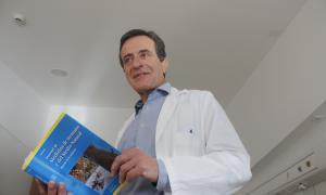 El doctor Enric Subirats edita el primer 'Manual de medicina de muntanya'