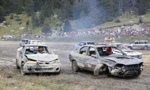 El Crash Car aplega centenars d'espectadors a Grau Roig