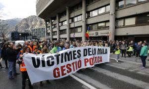 Una de les manifestacions que van dur a terme els funcionaris contra la reforma de la llei de la funció pública.