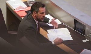 El president del grup socialdemòcrata, Pere López, en la sessió de control d'ahir.