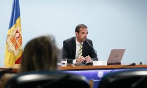 Jordi Torrres és el ministre d'Ordenament Territorial.