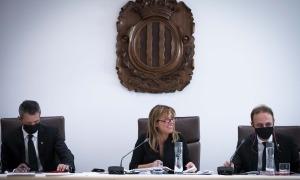 Els cònsols de la capital i el secretari general en la sessió de dijous passat.