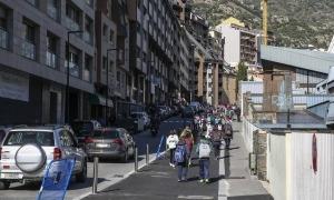 Vista de la nova voravia feta al carrer Prada Motxilla.