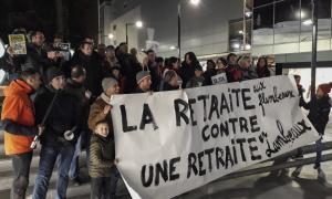 Un moment de la concentració dels professors del sistema francès que va tenir lloc ahir a la plaça de The Cloud.